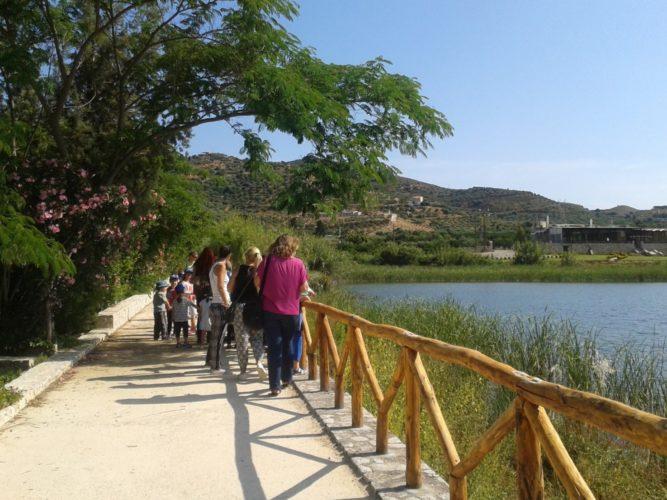 Εθελοντικός καθαρισμός του πάρκου της λίμνης Αγιάς, την Κυριακή