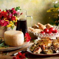 ΕΦΕΤ: Τι να προσέχουν οι καταναλωτές κατά την επιλογή τροφίμων για το πασχαλινό τραπέζι