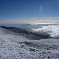 Πλησιάζει ο Ιούνιος και τα βουνά μας είναι ακόμη χιονισμένα