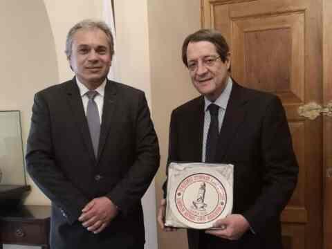 Με τον πρόεδρο της Κύπρου, συναντήθηκε ο πρόεδρος των ιστορικών καφέ της Ευρώπης