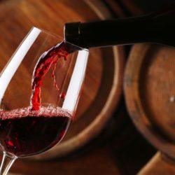 Εκδήλωση για το Ρωμέικο κρασί από φορείς της Κισάμου, στο λιμάνι των Χανίων