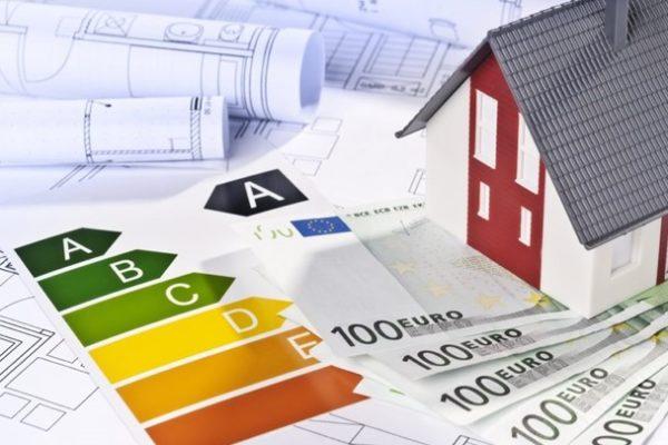 """Εξοικονόμηση κατ' Οίκον: Έρχεται πρόγραμμα """"μαμούθ"""" για την αναβάθμιση των κτιρίων"""