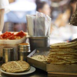 ΕΦΕΤ: Τι πρέπει να προσέχουμε όταν τρώμε έξω