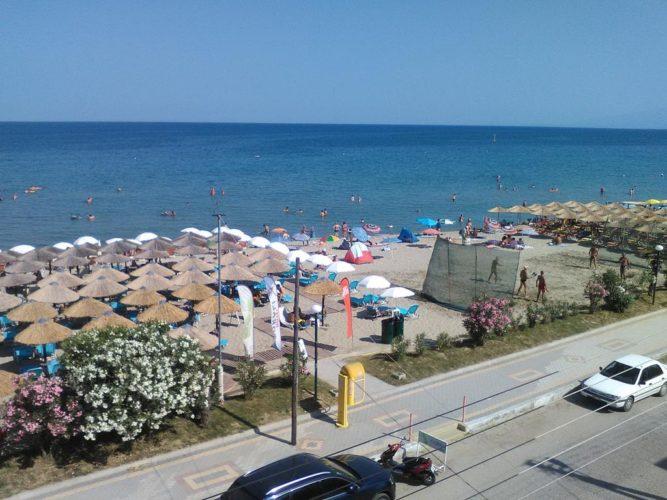 ΕΚΠΟΙΖΩ: Δικαιώματα και υποχρεώσεις όταν επισκεπτόμαστε οργανωμένες παραλίες