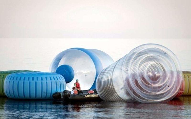 WWF: Πέντε γραμμάρια πλαστικό καταπίνει κάθε εβδομάδα ο μέσος άνθρωπος