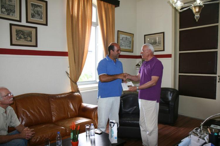 """Τον """"καλύτερο Ευρωπαίο νέο αγρότη"""" υποδέχθηκε ο Απ. Βουλγαράκης"""