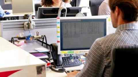 ΕΡΓΑΝΗ: 281.775 νέες θέσεις εργασίας το α' επτάμηνο - Πόσες ήταν οι προσλήψεις και πόσες οι αποχωρήσεις