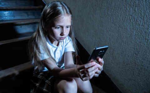 Ανεξέλεγκτη η πρόσβαση των παιδιών στο διαδίκτυο