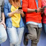 Πενταψήφια νούμερα: Έκρηξη καταγγελιών για χρεώσεις μέσω SMS στα κινητά. Χαρακτηριστικά παραδείγματα