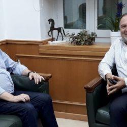 Συναντήθηκαν ο Περιφερειάρχης με τον νέο πρόεδρο της ΠΕΔ Κρήτης
