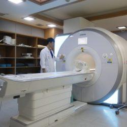 Πότε είναι απαραίτητη η μαγνητική τομογραφία για τον πόνο στη μέση;