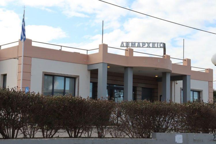Αναβαθμίζεται ενεργειακά το κτίριο του δημαρχείου Πλατανιά στο Γεράνι