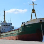 Απομακρύνεται το φορτηγό πλοίο Skylark από το λιμάνι της Κισάμου