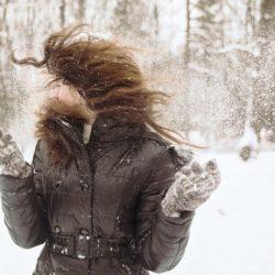 Πώς να προστατεύσετε τα μαλλιά σας από το κρύο