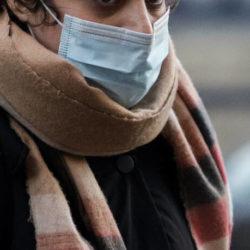 ΕΟΔΥ: Ποιοι πρέπει να φορούν μάσκες και τι κάνουμε με τα γάντια