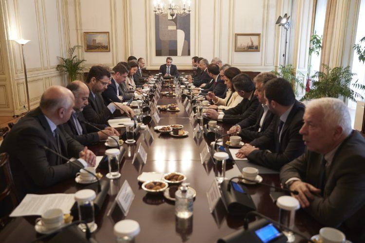 Για θέματα δημόσιας υγείας συναντήθηκαν οι Περιφερειάρχες της χώρας με τον Πρωθυπουργό