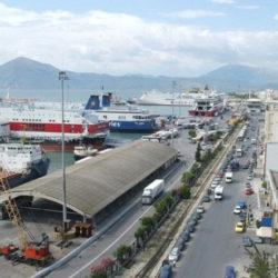 Σε ισχύ οι περιορισμοί μετακινήσεων προς τα νησιά