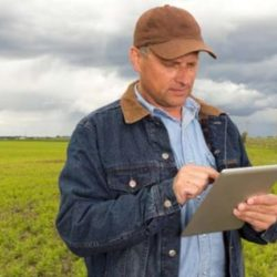 i-ΑGRIC: Όλες οι υπηρεσίες του υπουργείου Αγροτικής Ανάπτυξης, στην παλάμη του χεριού μας