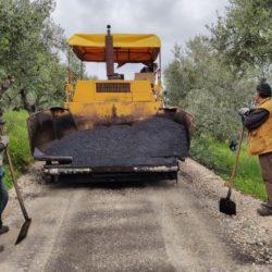Συνεχίζονται τα έργα οδοποιίας στο Δήμο Πλατανιά