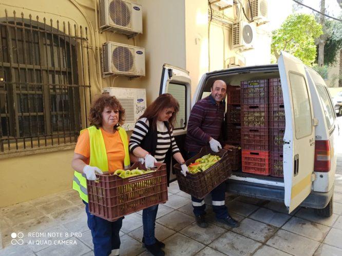 Ο δήμος Πλατανιά διένειμε τρόφιμα σε δημότες με ανάγκη, ενόψει Πάσχα