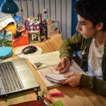 Voucher 200 ευρώ σε 560.000 νέους για τηλεκπαίδευση
