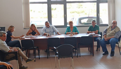 Συνάντηση των εργολάβων δακοκτονίας με την Περιφέρεια στην Διεύθυνση Αγροτικής Οικονομίας Χανίων