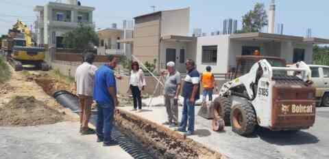 Το έργο τοποθέτησης αγωγού ομβρίων στην περιοχή της Σούδας επισκέφθηκε ο δήμαρχος Χανίων