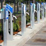 Η ΔΕΗ θα τοποθετήσει φορτιστές αυτοκινήτων στα αεροδρόμια της Fraport