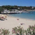Λύματα από βλάβη αγωγού στην παραλία του Αγίου Ονουφρίου. Απαγορεύθηκε προσωρινά η κολύμβηση