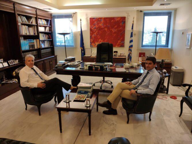 Μπαίνουν οι «βάσεις» για στενή συνεργασία των ερευνητικών ιδρυμάτων της Κρήτης με τον Ο.Α.Κ.