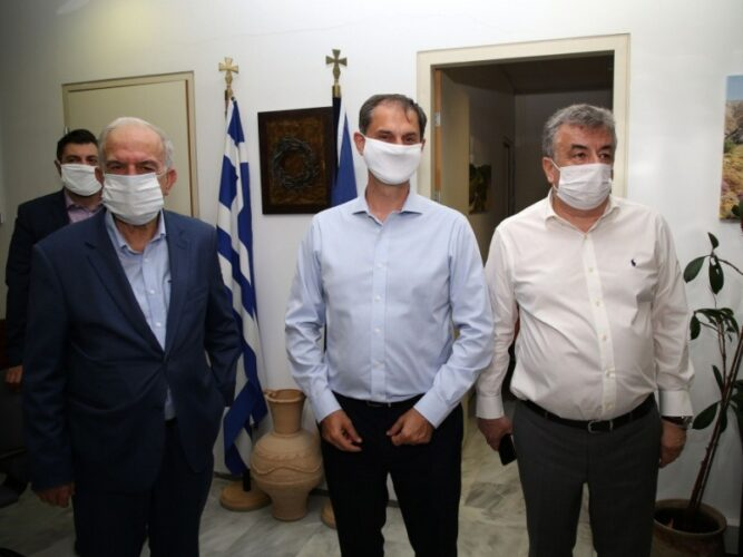 Στην Κρήτη βρίσκεται από σήμερα ο υπουργός Τουρισμού Χάρης Θεοχάρης