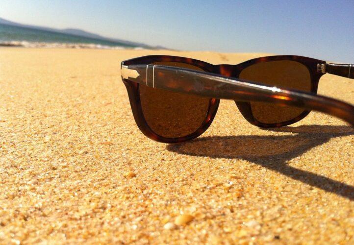 Μάτια: Προστασία από τους κινδύνους του καλοκαιριού