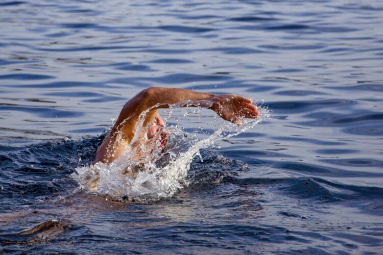 Είναι ασφαλές να κολυμπάς όταν έχεις αιμορροΐδες;