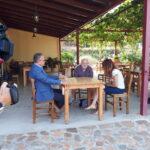 Ντοκιμαντέρ με θέμα την ελιά και το ελαιόλαδο από το RTL στους ελαιώνες του Πλατανιά