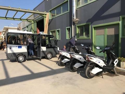 Ένα ηλεκτρικό minι bus και τρία ηλεκτρικά scooter, προστέθηκαν στον στόλο του δήμου Χανίων