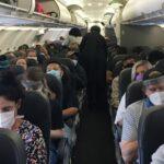 Covid: Μόνο όσοι έχουν εμβολιαστεί θα μπορούν να ανέβουν σε αεροπλάνο