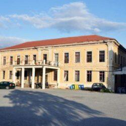Αρχιτέκτονες Χανίων: Να τα βρουν σύντομα Δήμος και Πολυτεχνείο για το κτίριο της Παλιάς Μεραρχίας