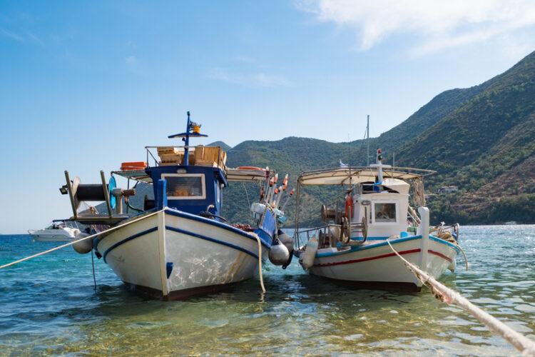 Παράταση η ισχύς των αδειών των επαγγελματικών αλιευτικών σκαφών