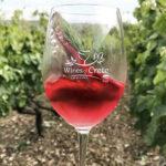 Σαράντα τέσσερις φιάλες κρασί δώρο από τα μέλη του Δικτύου Οινοποιών Κρήτης μέσω των Social Media