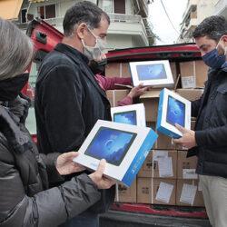 Παραδόθηκαν από τον δήμο Χανίων τα 600 tablet για τις ανάγκες μαθητών