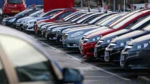 Πλήγμα στην γραφειοκρατία: Ηλεκτρονικά θα γίνονται οι μεταβιβάσεις αυτοκινήτων
