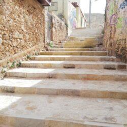 Αποκαταστάθηκε η πέτρινη σκάλα δίπλα στο Κ.Α.Μ., στο Ενετικό Λιμάνι