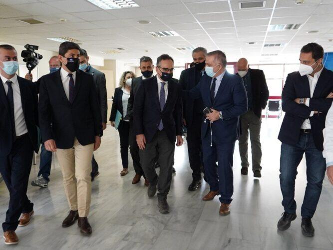 Βασίλης Κοντοζαμάνης: Αυξάνονται οι εμβολιαστικές γραμμές στην Κρήτη