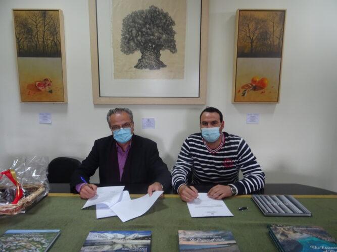 Υπεγράφη η σύμβαση για την αποκατάσταση παραλιακής οδού στο Κολυμπάρι