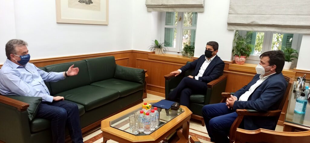 Για τις αθλητικές υποδομές στην Κρήτη, συζήτησαν Αυγενάκης - Αρναουτάκης