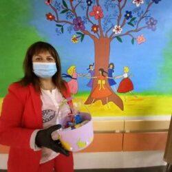Δώρα και λαμπάδες από νήπια του Πλατανιά, σε παιδιά που νοσηλεύονται στο ΠΑΓΝΗ