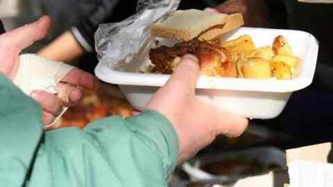 Γεύματα αγάπης από τον Δήμο Χανίων την Κυριακή και την Δευτέρα του Πάσχα