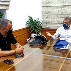 Περιφέρεια Κρήτης: Επί τάπητος τα θέματα των Ελλήνων Ρομά στην Κρήτη