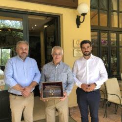 Επίσκεψη του δημάρχου του Τάρπον Σπρινγκς της Φλόριντα των ΗΠΑ, στο Ιστορικό Καφέ «Κήπος»