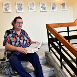«Ανεβαίνοντας από το Α στο Ω»: Έκθεση σύγχρονης τέχνης στην Δημοτική Βιβλιοθήκη Χανίων